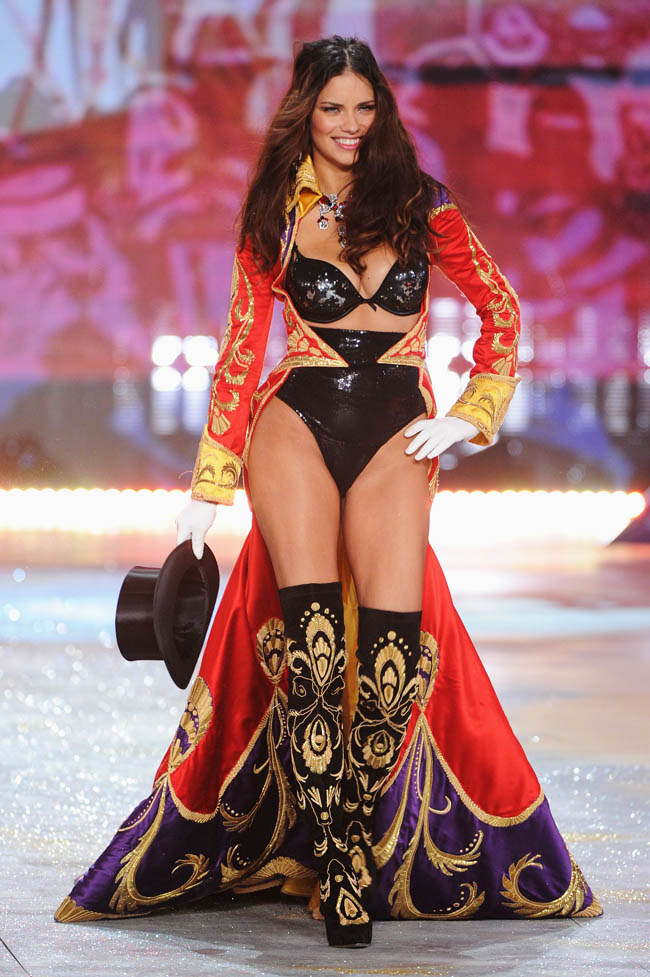 Adriana Lima Victoria s Secret 2012 Fashion Show opening cape outfit