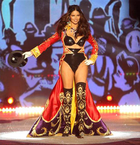 Adriana Lima opened Victoria s Secret 2012 Fashion Show