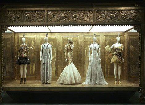 McQueen MET Exhibition Huge Success. Also Open On Mondays