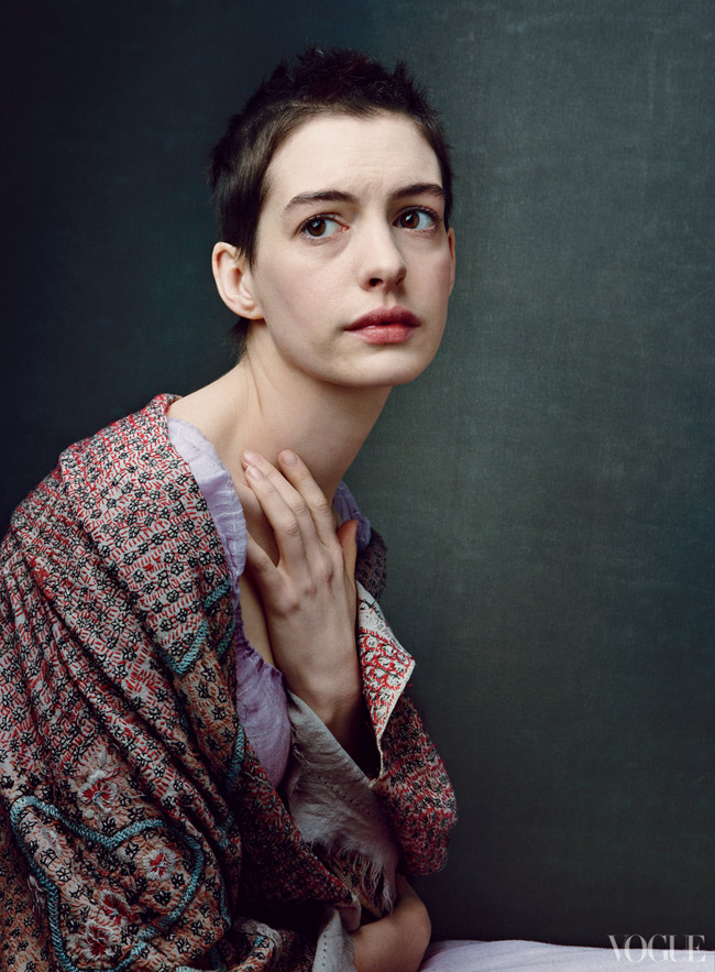 Anne Hathaway Vogue Miserables story