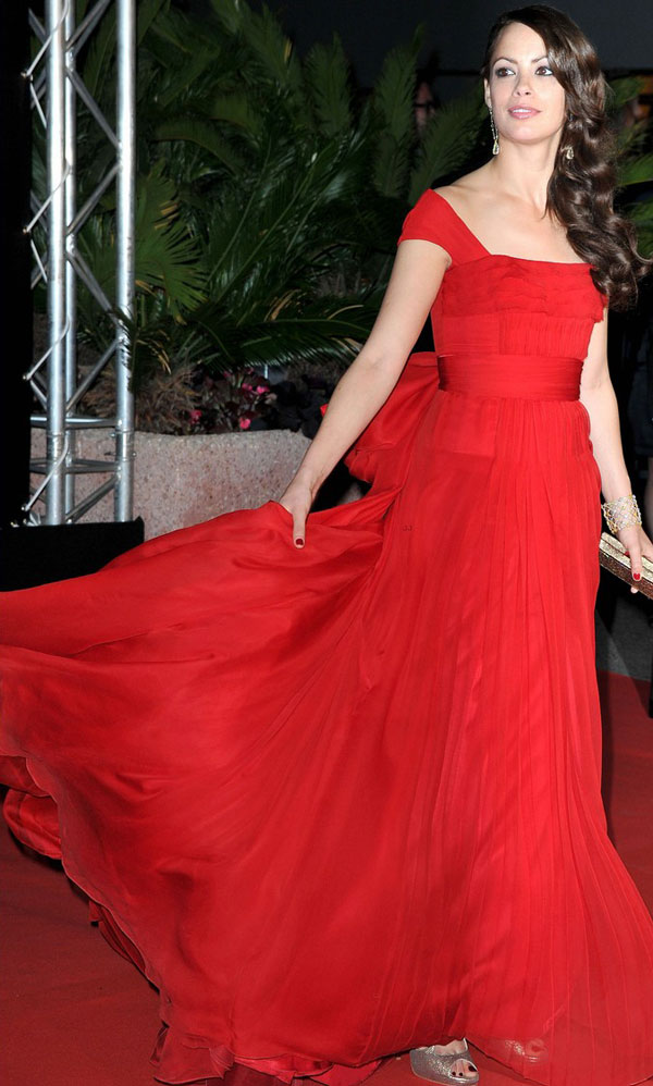 Berenice Bejo Louis Vuitton red dress Cannes 2012 Red Carpet