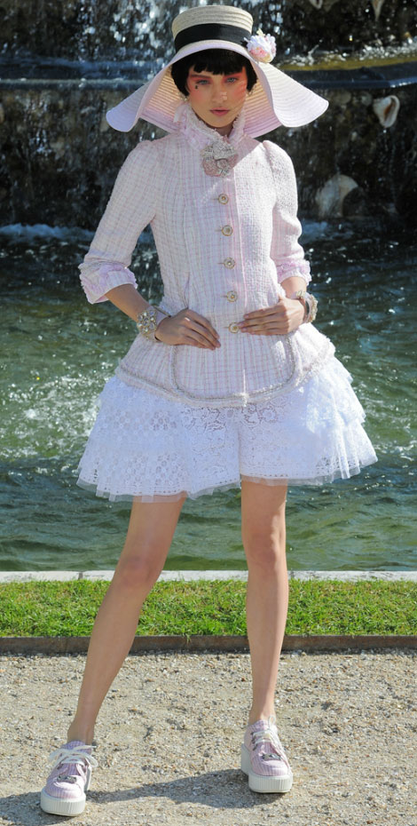 Chanel Cruise 2012 fashion show