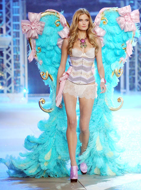 Victoria's Secret 2012 Fashion Show: Why So Sad, Constance Jablonski?