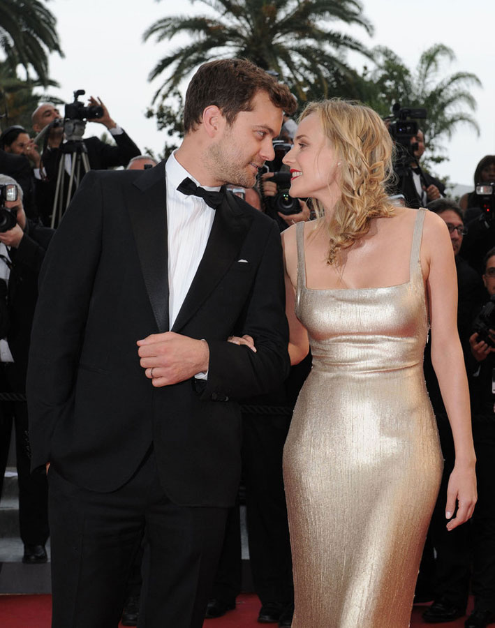 Diane Kruger  Calvin Klein golden dress Cannes 2011 3