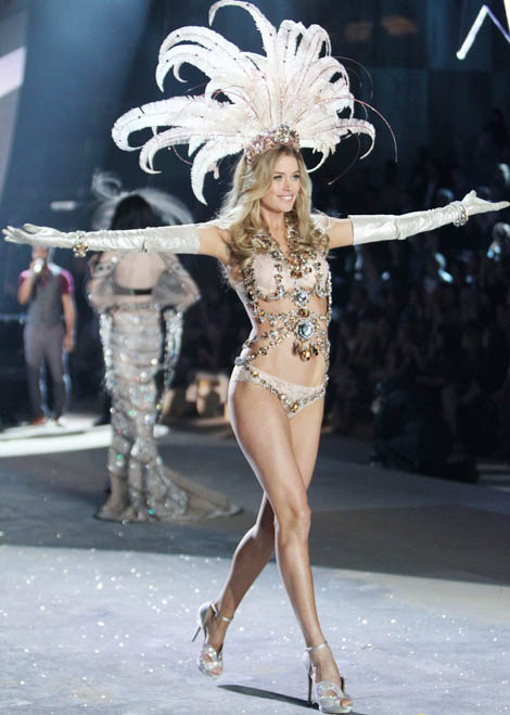 Doutzen Kroes Victoria s Secret 2012 Fashion Show