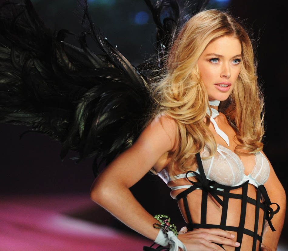 Doutzen Kroes Victoria s Secret 2012 flawless