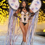 Emanuela-de-Paula-2011-Victoria-s-Secret-Fashion-Show