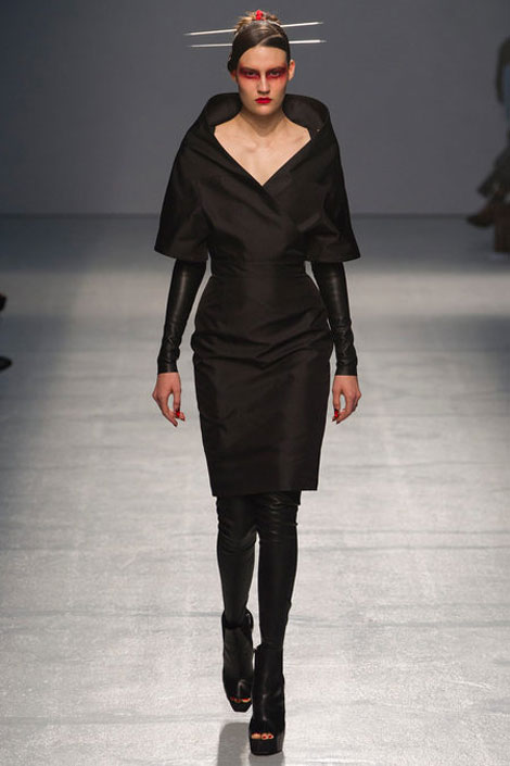 5 Fashion Trends To Pick Up From Mugler Spring Summer 2013