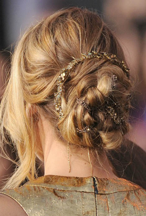 Glamorous Hair Must: Jennifer Lawrence&#8217;s Braid Updo