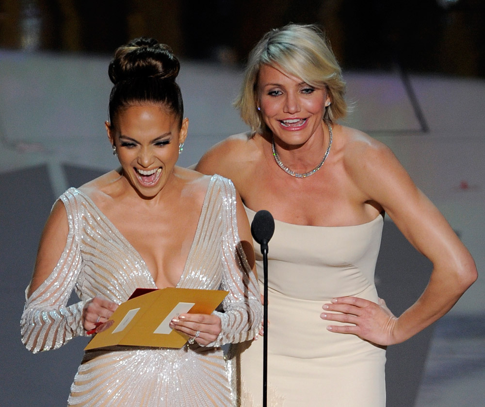Jennifer Lopez, Cameron Diaz In Pale Dresses For 2012 Oscars
