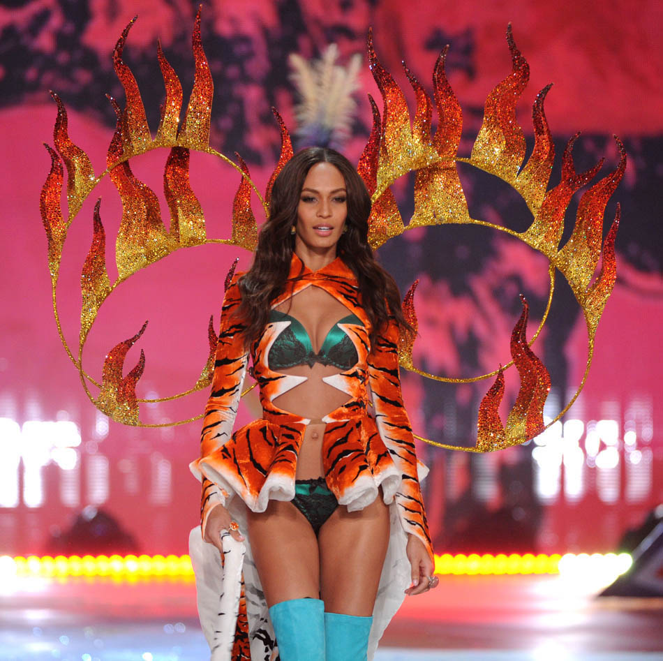 Joan Smalls Circus Costume Victoria s Secret 2012 Fashion show