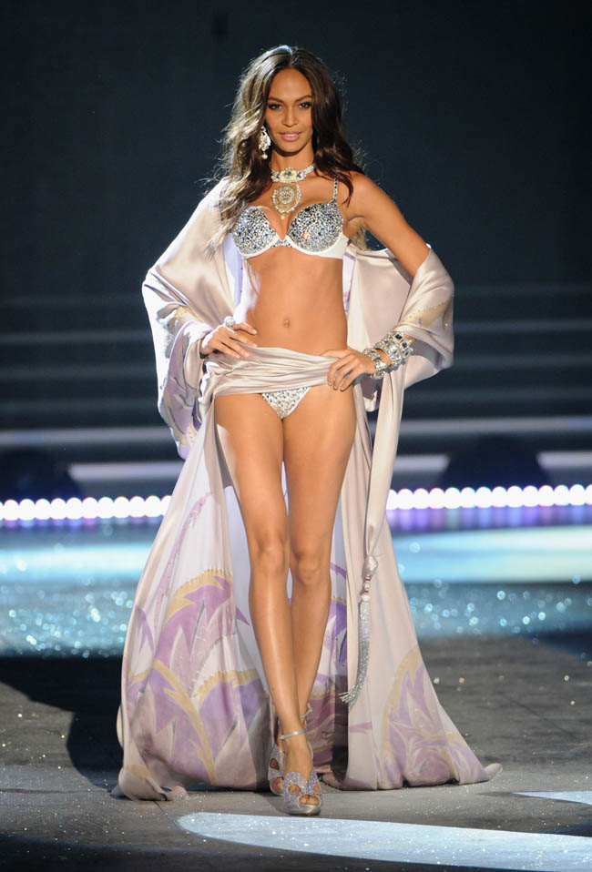 Joan Smalls smiling in Victoria s Secret 2012 show