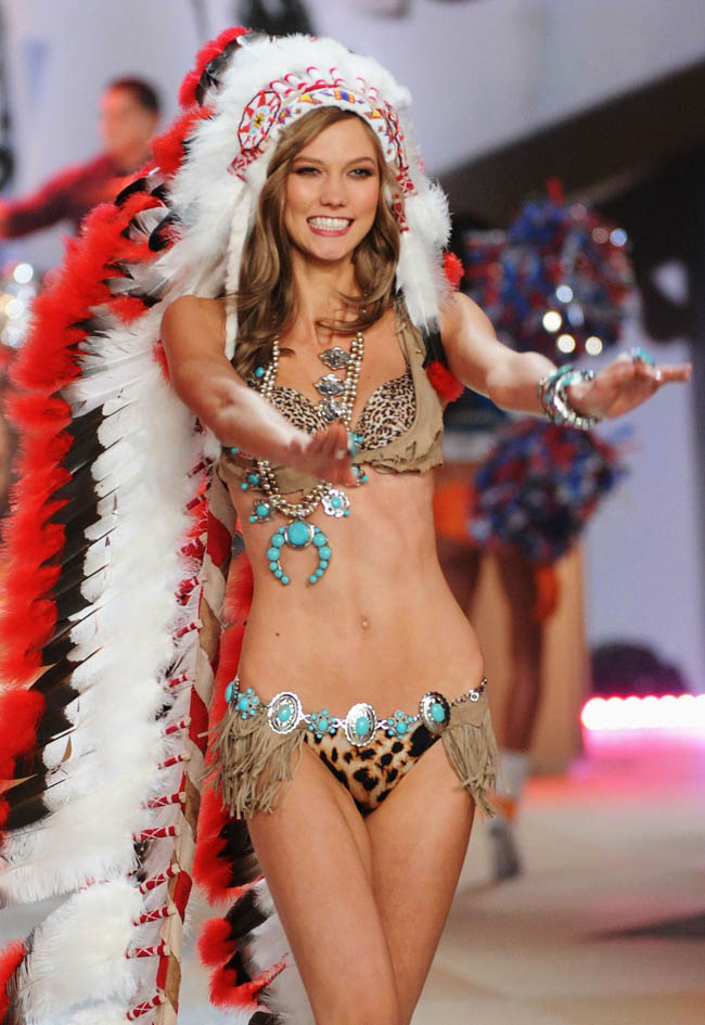 Karlie Kloss Victoria s Secret 2012 show native american outfit