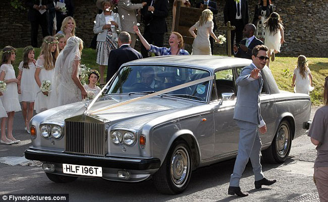 Kate Moss Jamie Hince wedding car