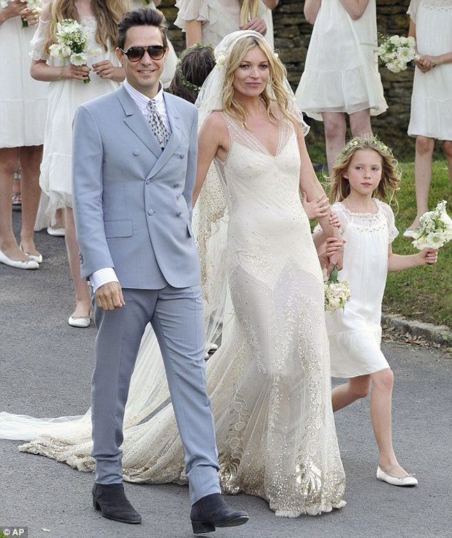 Kate Moss the bride wearing cream wedding dress John Galliano ...