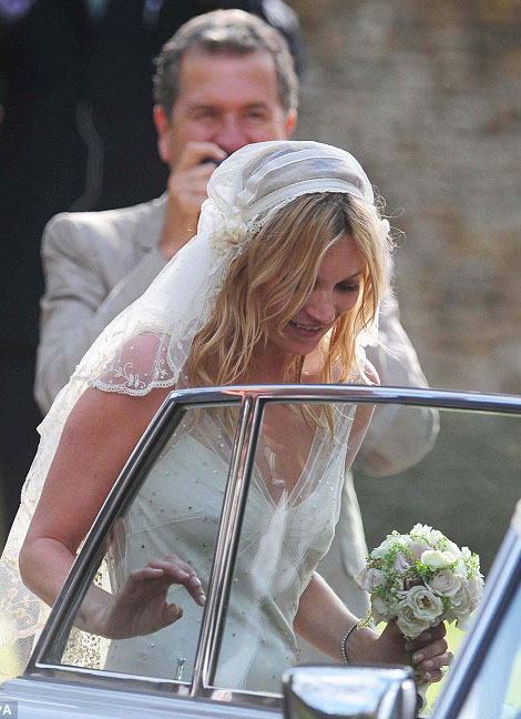 Kate Moss wedding dress Mario Testino photograph