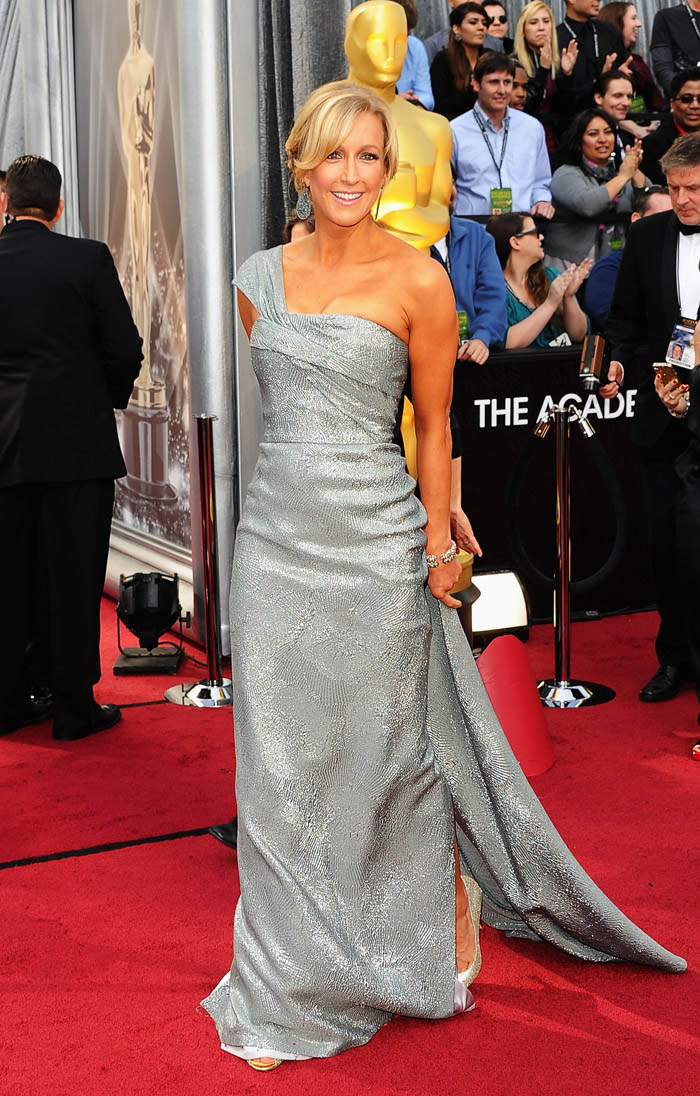 Lara Spencer 2012 Oscars Red Carpet metallic dress