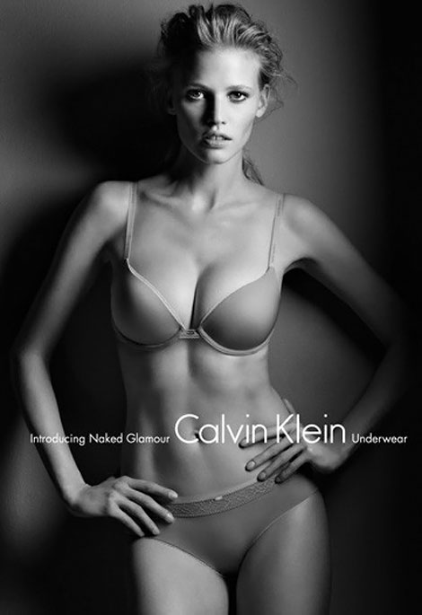 Lara Stone Calvin Klein naked Glamour lingerie ad by Patrick Demarchelier