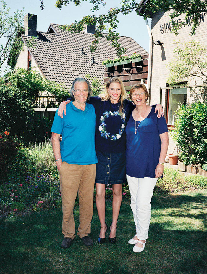 Lara Stone with her parents