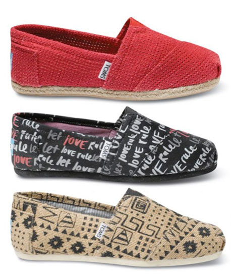 Lenny Kravitz Takes Cinna's Duties Seriously By Designing Toms Shoes