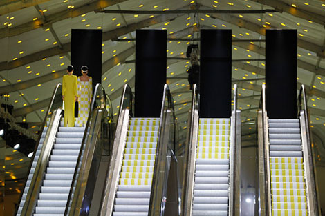 Louis Vuitton Spring Summer 2013 fashion show escalators