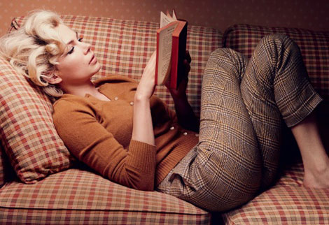 Michelle Williams portraying Marilyn Monroe