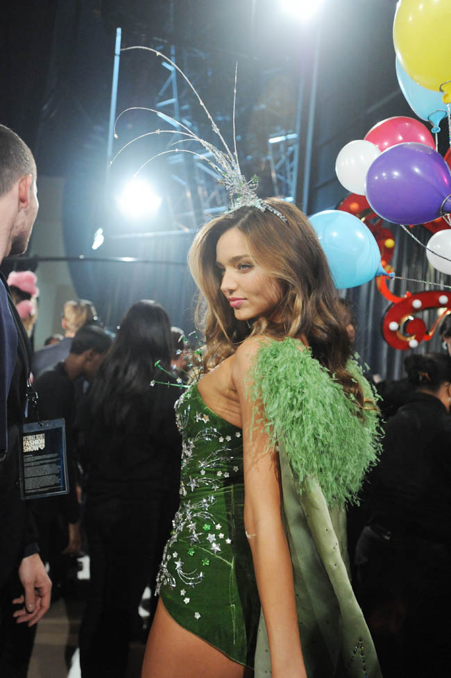 Miranda Kerr backstage at Victoria s Secret 2012 fashion show
