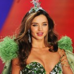 Miranda Kerr s green outfit Victoria s Secret 2012 fashion show
