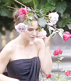 Natalie Portman Wears Flowers In Her Hair For New Miss Dior Cherie Campaign