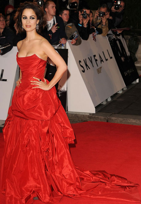 Berenice Marlohe's Vivienne Westwood Red Dress For New 007 Skyfall Premiere