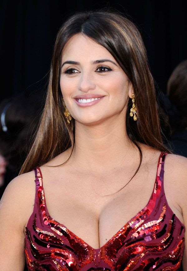Penelope Cruz red L Wren Scott dress 2011 Oscars 3