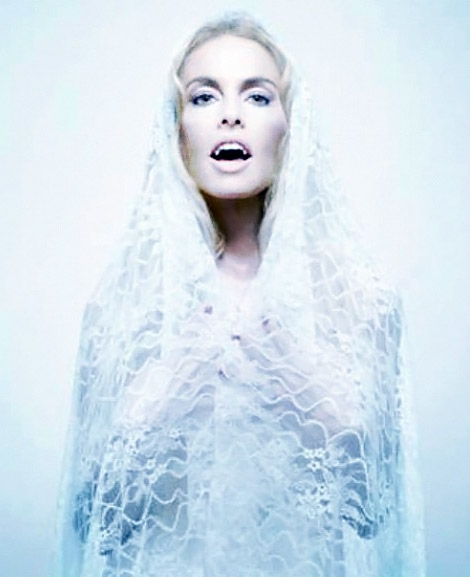Rachel Zoe undead Love issue 7