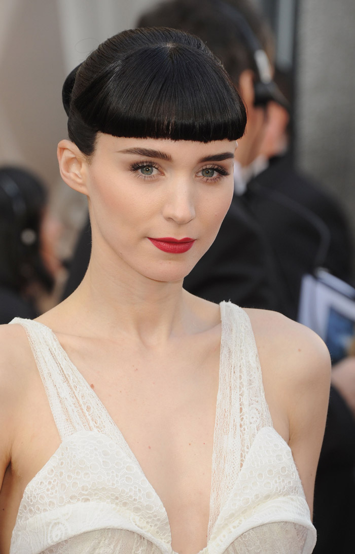 Rooney Mara 2012 Oscars Red Carpet hair and makeup