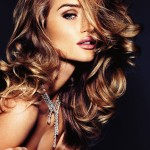 Rosie Huntington Whiteley necklace Vogue