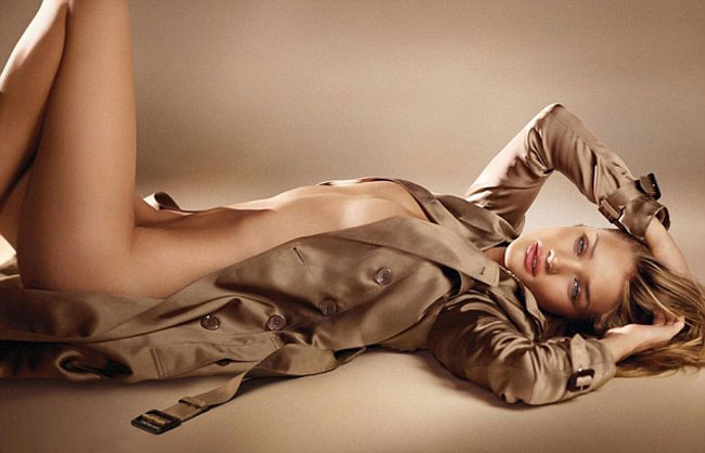 Rosie Huntington Whiteley without clothes picture Burberry Perfume ad
