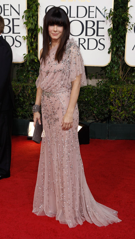 Sandra Bullock pink Jenny Packham dress Golden Globes 2011