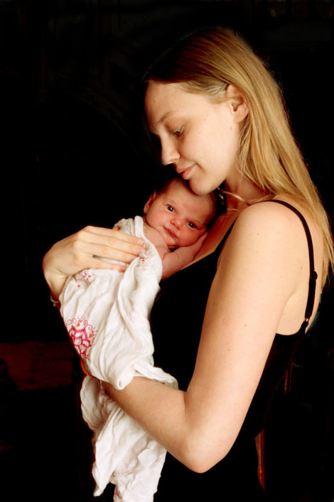 Sasha Pivovarova baby girl Mia Isis first images