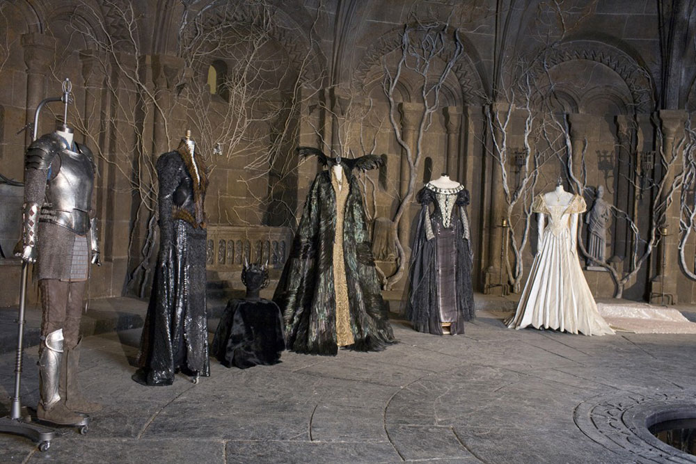 Colleen Atwood Designed Snow White And The Huntsman Costumes