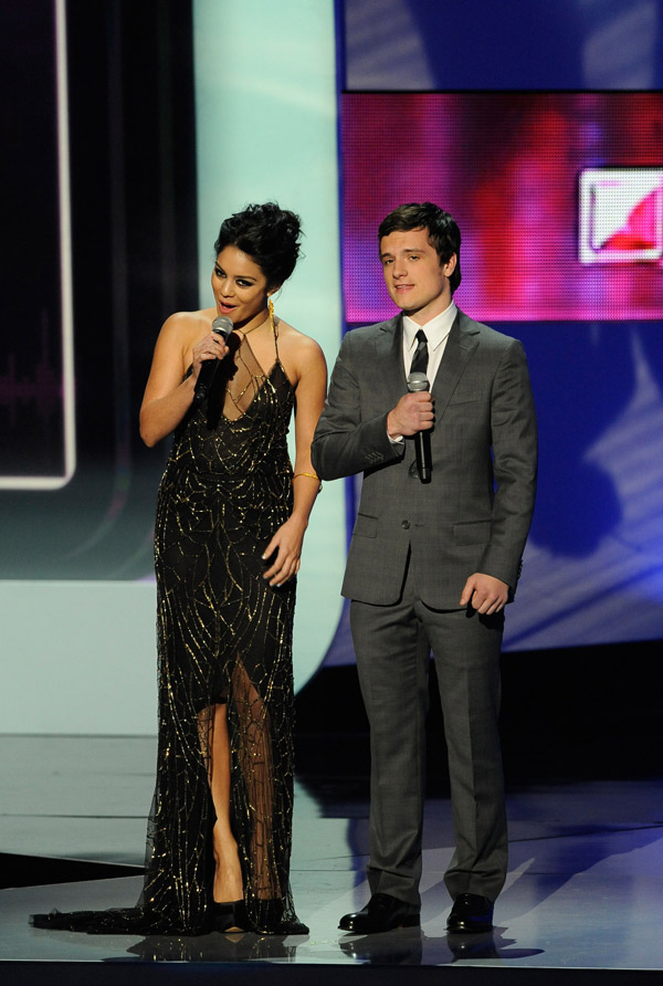 Vanessa Hudgens People s Choice Awards 2012 presenter