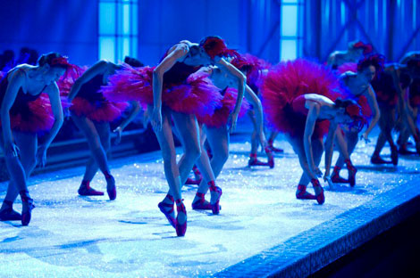 Victoria s Secret 2011 Fashion Show Ballet Scene