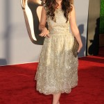 Zooey Deschanel beautiful on the Red Carpet