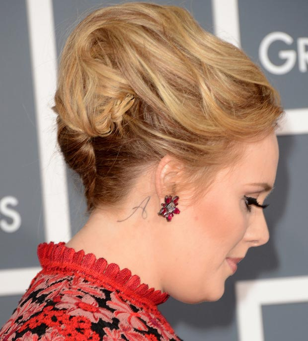 Adele 2013 Grammy Awards hairdo earrings tattoo