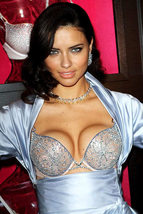 The $2 Million Diamond Bra Looks Like This