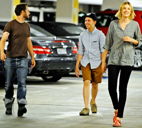 agyness deyn with husband Giovanni Ribisi at the movies