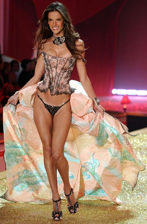 Alessandra Ambrosio Victoria's Secret Fashion Show 2010