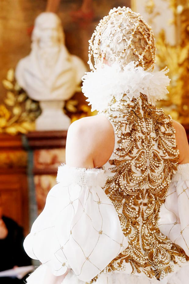 Alexander McQueen Fall 2013 collection detail