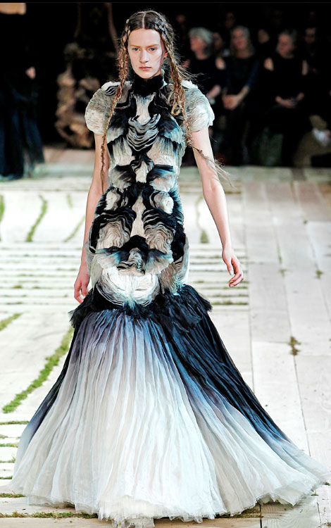 2bedbcfd2ba Alexander McQueen ss 2011 collection - StyleFrizz