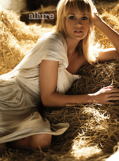 Allure April 2010 Carrie Underwood 1