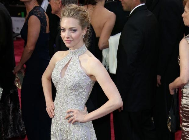 Amanda Seyfried 2013 Oscars light lavender dress