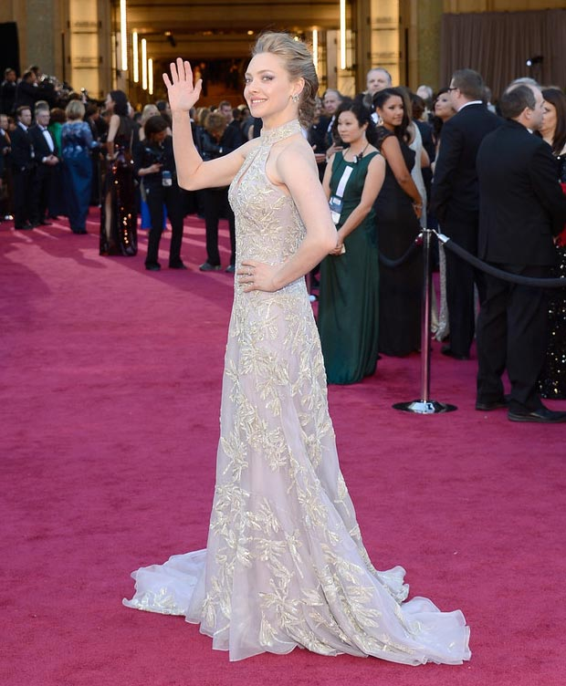 2013 Oscars Fashion: Amanda Seyfried Embroidered McQueen Dress